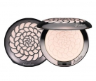 Meteorites Poudre de Perles Illuminating Pressed Powder